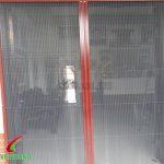 Cửa lưới xếp khung vân giả gỗ